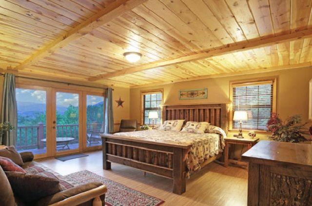 Golden view lodge cabin 6 bedroom 5 bathroom sleeps 20 for 6 bedroom cabins