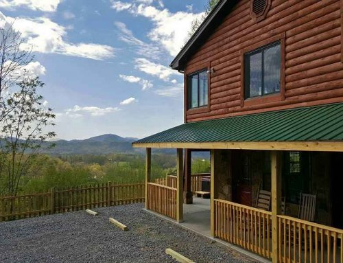 Simply Golden Cabin – 3 bedroom 3 bathroom/sleeps 10